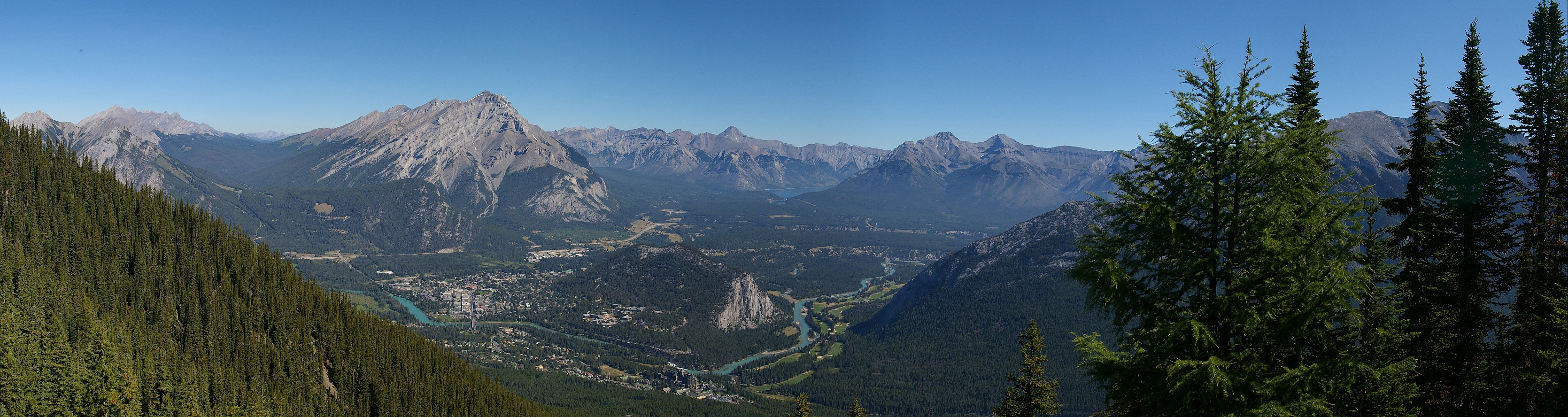 pano4_panoramic_view_from_sulphur_mountain_180.jpg